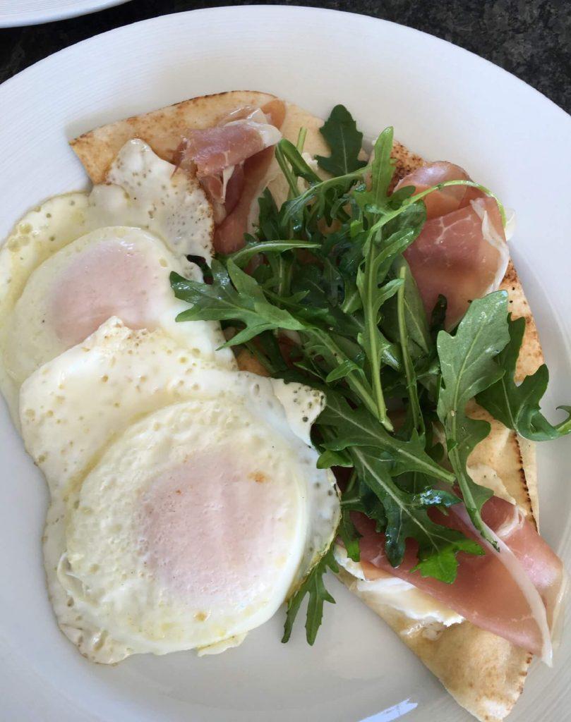 Breakfast Pitas with Prosciutto, Eggs and Arugula