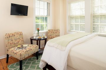 Guestrooms - Goose Rocks Bed and Wide View of Room