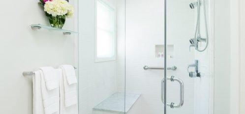 Guestrooms - Tack Bathroom - Shower
